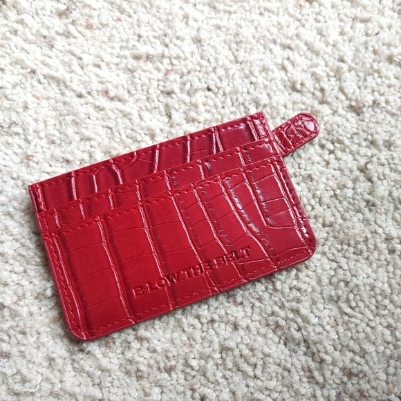 5/$25 B-low the Belt red croc card wallet